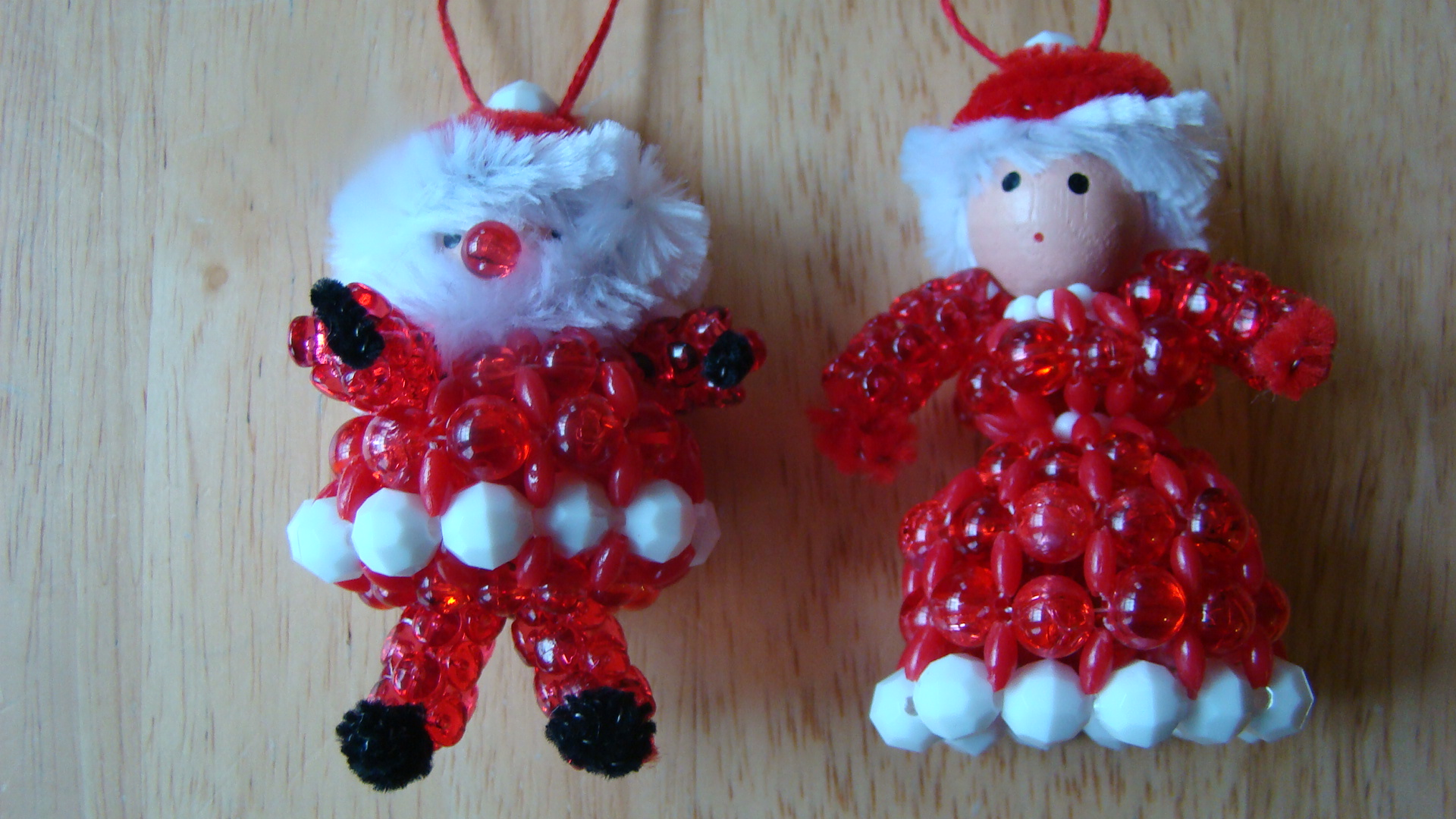 Vintage kit,  beaded Santa Ornament